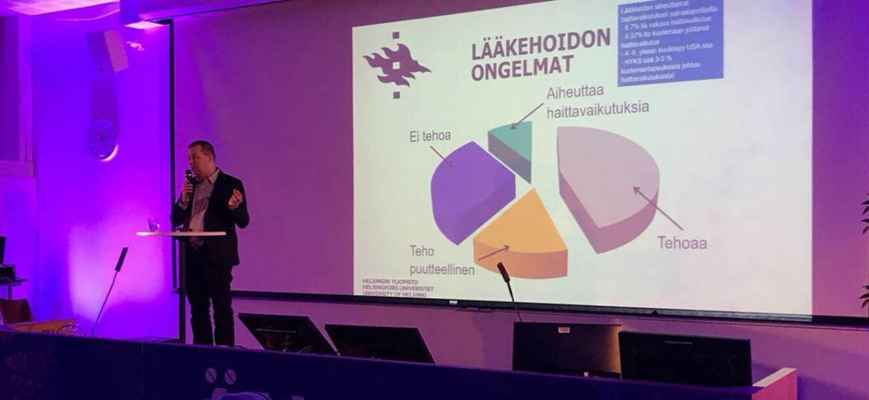 Professori Mikko Niemi ja lääkehoidon ongelmat.